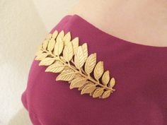 Golden leaves shoulder brooch Leaf pin Gold Shoulder Jewelry Brass brooch Woodland Wedding Bridesmaids Bridal Gifts for her Women jewelry Shoulder Jewelry, Golden Leaves, Golden Jewelry, Woodland Wedding, Bridal Gifts, Wedding Bridesmaids, Brooch Pin, Gifts For Her, Jewels