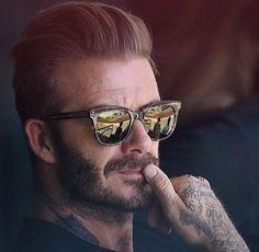 -David Robert Joseph Beckham- May 1975 (age -Leytonstone, London, England- ft 0 in Moda David Beckham, David Beckham Style, Rugged Style, David Beckham Tattoos, Modern Mens Fashion, Men's Fashion, Travel Fashion, Star Wars, Trends