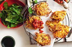 Put a new spin on everyone's favourite with this easy weeknight recipe.Spaghetti fritters with salami & zucchini Easy Weeknight Meals, Easy Meals, Sausage And Spaghetti Squash, Leftover Spaghetti, Budget Family Meals, Hidden Vegetables, Easy Dinner Recipes, Breakfast Recipes, Italian Recipes