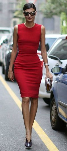 STREET STYLE- RED DRESS NEVER GOES OUT OF STYLE