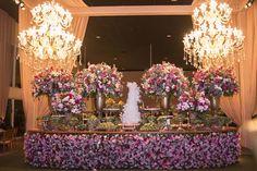 Casamento clássico: mesa do bolo Foto: Prime Foto Cinema