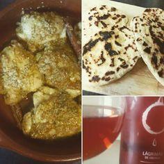 Chicken curry con naan casero y el vino que nos recomendaron para maridar.