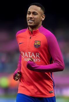 Neymar warms up before the La Liga match between FC Barcelona and Malaga CF at Camp Nou stadium on November 19, 2016 in Barcelona.