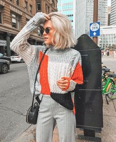 OMG! Awesome sweater and palazzo pants outfit. This is perfect from Spring when there is still a crisp coldness in the air | Hot Trending outfit ideas for women who follow fashion. #pantswomen