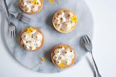 Citrontærte med brændt marengs - Pilens Køkken Mad, Decorative Plates, Breakfast, Four, Pagan, Morning Coffee