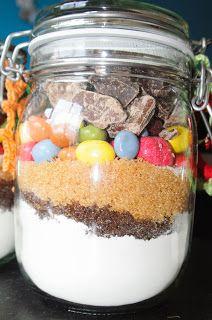 Renske Creatief: tulband / cake in een pot, kerstcadeau, incl recept Acai Bowl, Dog Food Recipes, Pudding, Jar, Cookies, Baking, Breakfast, Desserts, Drinks