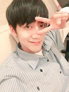 Adorable; as expected Kimchi :) #Jihun #KNK #지훈 #크나큰