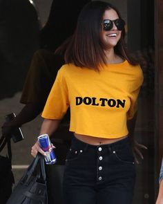 @selenagomez leaving Shamrock Social Club in Hollywood California [April 9] #SelenaGomez saliendo de Shamrock Social Club en Hollywood California [Abril 9] #Selena #Selenator #Selenators #Fans