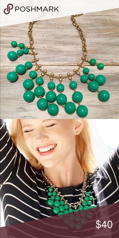 Stella and Dot - Jolie Emerald Green Necklace Gorgeous statement necklace! Perfect condition. I have only worn maybe 2 times. Stella & Dot Jewelry Necklaces