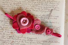 Tiara de corações e flores