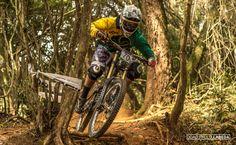 Copa Brasil de Downhill Individual 2015 - CAMANDUCAIA - MG. Piloto: Everson Pinhatti. Foto: João Paulo Labeda.