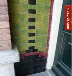 tegelpuzzeltje in Amsterdams portiek | mozaiek utrechrt
