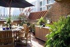 Hazelton Lanes, Yorkville contemporary patio