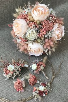 Wedding Bridal Day Natural Dried Flower - Bridal Bouquet, Flower Clasp, Flower Crown, Corsage and Boutonniere Pieces) Wedding Bridal Day Natural Dried Flower Bouquet&Corsage - Bride Groom Collar Hair Earring Accessorie Corsage And Boutonniere, Groom Boutonniere, Boutonnieres, Bride Flowers, Bride Bouquets, Real Flowers, Dried Flower Bouquet, Flower Bouquet Wedding, Flower Bouquets