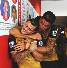 Jack Wilshere and Olivier Giroud - Arsenal Fc, Giroud Arsenal, Arsenal Players, Arsenal Football, Football Team, Hugs, Arsenal Wallpapers, Jack Wilshere, Sports
