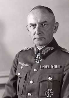 ✠ Erwin von Witzleben (4 December 1881 – 8 August 1944) Executed for his role in the bomb plot. RK 24.06.1940 Generaloberst OB 1. Armee