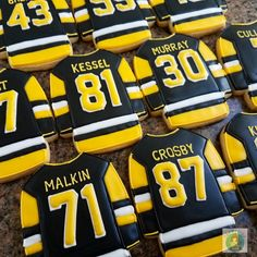 Pittsburgh Penguin jersey cookies. www.colormecookie.com