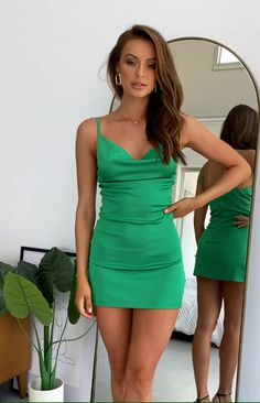 Stylish Dresses, Tight Dresses, Sexy Dresses, Mode Outfits, Sexy Outfits, Fashion Outfits, Bleach Tie Dye, Girls In Mini Skirts, Beautiful Girl Photo