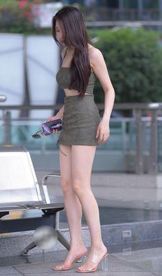 Women With Beautiful Legs, Beautiful Young Lady, Beautiful Asian Girls, Girls Fashion Clothes, Girl Fashion, Myanmar Women, Korean Beauty Girls, Girls In Mini Skirts, Asia Girl