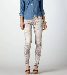 American Eagle  white and purple FLORAL SKINNY JEAN
