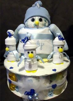 Penguin Diaper Cake!!!! OH MY MY!!! This is suuuuuppppeeerrr cute & perfect for my lil penguin!! <3