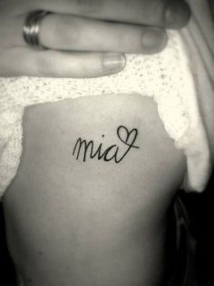 Small Tattoo Designs and Ideas for Women 25