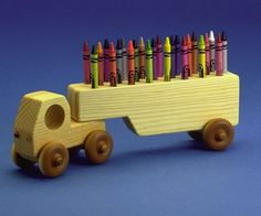 Crayon Truck Diy Wood Projects, Projects For Kids, Wood Crafts, Woodworking Projects, Wooden People, Making Wooden Toys, Wooden Car, Wooden Gifts, Toy Trucks