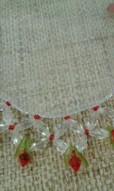 Imagem relacionada Sunburst Mirror, Diy Mirror, Bead Crafts, Arts And Crafts, Diy Crafts, Fabric Beads, Ribbon Work, Bead Weaving, Pin Cushions