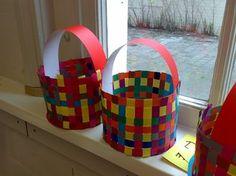 Gevlochten mandjes voor Pasen Art For Kids, Crafts For Kids, Arts And Crafts, Diy Crafts, Easter Craft Activities, Activities For Kids, Easter Art, Easter Crafts, Easter Decor