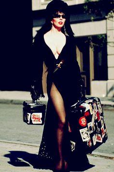 Lady Hollywood: Elvira: A Rainha das Trevas (Elvira, Mistress of the Dark, 1988)