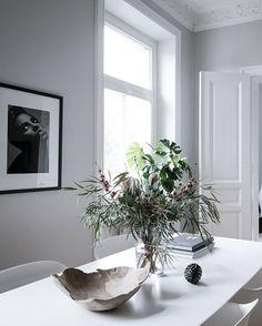 Fresh and minimalist home - via Coco Lapine Design