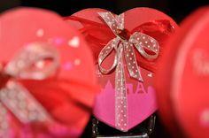 Coffrets de St Valentin remplis de tendres chocolats