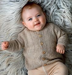 Drops Design, Knitting For Kids, Baby Knitting Patterns, Knitted Baby Cardigan, Sweater Cardigan, Baby Design, Drops Baby, Knit Crochet, Crochet Pattern