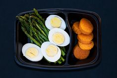 Pre-workout meals for 80 Day Obsession, pre-workout nutrition, pre-workout snacks, asparagus and eggs