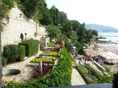 Balchik castle and botanical garden, Bulgaria Montenegro, Bósnia E Herzegovina, Black Sea, Eastern Europe, Botanical Gardens, Dolores Park, Castle, Journey, Places