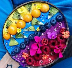 Rainbow Smoothies, Strawberry Smoothie, Fruit Smoothies, Healthy Smoothies, Smoothie Recipes, Eat Tumblr, Tumblr Food, Bolo Tumblr, Kreative Desserts