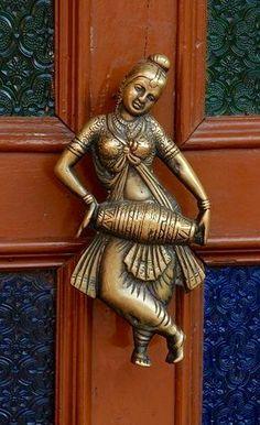 #doorknocker I #doorknob