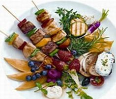 Rezept Hähnchen-Spieße auf Bio-Blattsalat, unser Rezept Hähnchen-Spieße auf Bio-Blattsalat - gofeminin.de