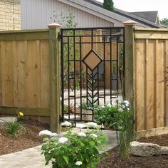 Wooden fence with metal gate ..rh