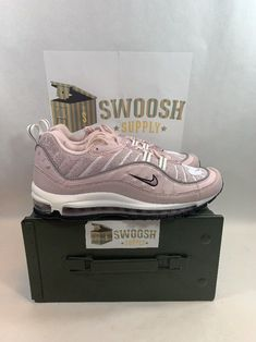 f75dfdc5c51 NIKE AIR MAX 98 Women s Shoe AH6799 600 Barely Rose Size 11.5 (Mens 10)