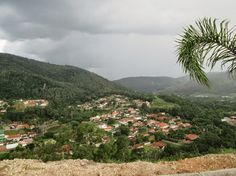Na cozinha, no quintal e no jardim : Num raio de 300 quilômetros - Monte Alegre do Sul-SP