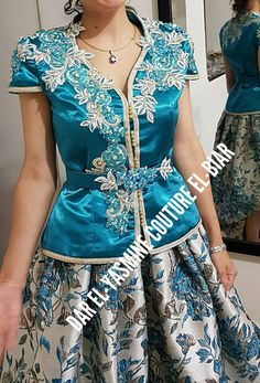 High Fashion, Womens Fashion, Medieval Dress, Oriental Fashion, Blouse And Skirt, Blouse Styles, Traditional Outfits, Formal Wear, Beautiful Outfits