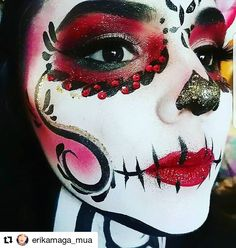 Discover recipes, home ideas, style inspiration and other ideas to try. Sugar Skull Face Paint, Sugar Skull Makeup, Sugar Skulls, Dead Makeup, Fx Makeup, Poison Ivy Makeup, Helloween Make Up, Fantasy Make Up, Halloween
