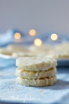 Earl Grey & Vanilla Bean Shortbread Cookies with Lemon Glaze . London Fog Cookies . busybakerblog