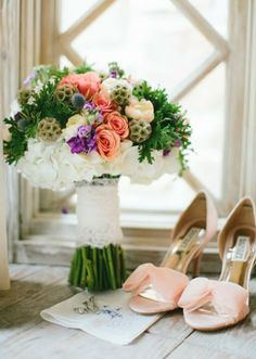 Beautiful bouquet by The French Bouquet and pretty pink shoes. Photo by Josh McCullock Photography. #wedding #bouquet #shoes #pink #purple