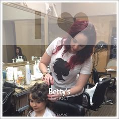 Who Said Owners Don't Work @ Their Own Businesses @msdana4hair @karrianne @bettysblowdryandbeautybar (630) 627-8126 #talent #artists #hairdesigners #bettys #fun #blowouts #creatives #blowoutbars #lombard #keratintreatments #klixhairextensions #makeup #brows #lashextensions #manemob #shugahairproducts #gkhairproducts #ergohairtools