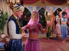 I Dream Of Jeannie Bottle | The Lady in a Bottle, 1x01 - I Dream of Jeannie Image (5719857 ...