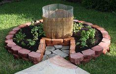 DIY keyhole garden