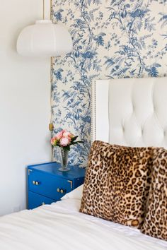 A young Hollywood actress's chic Los Angeles apartment! Home tour via: Mix and Chic.