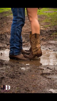 LOVE this. with the boots & mud.